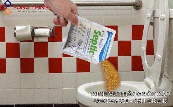 cach-thong-bon-cau-tai-nha-bang-che-pham-vi-sinh-enzym